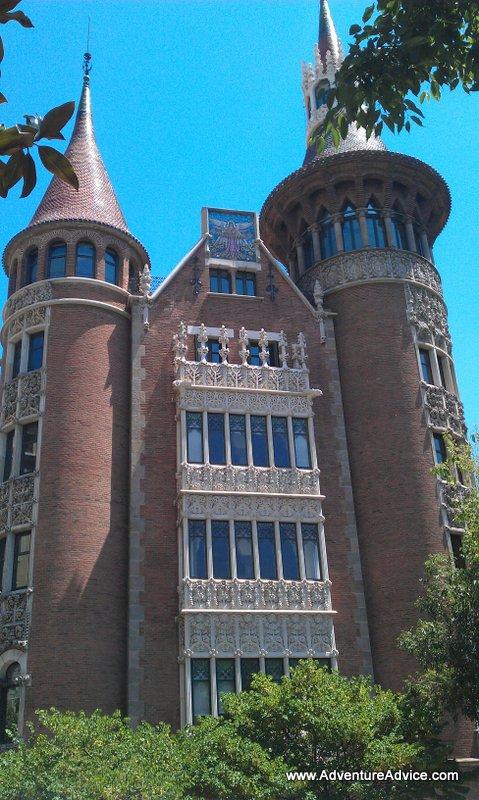 Casa de les punxes barcelona - Casa de las punxes ...